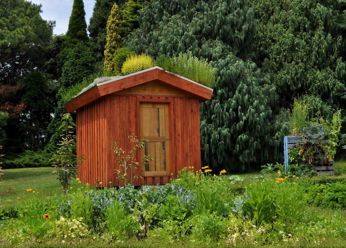 2 Superbes Idees Pour Decorer Son Abri De Jardin Avec